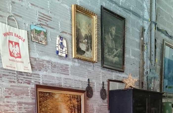 vintage shops: The Story Garage