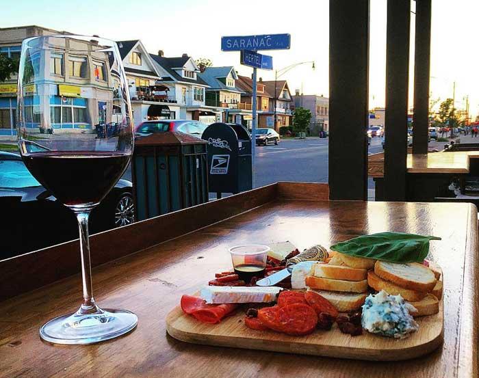 wine bars: wine on hertel