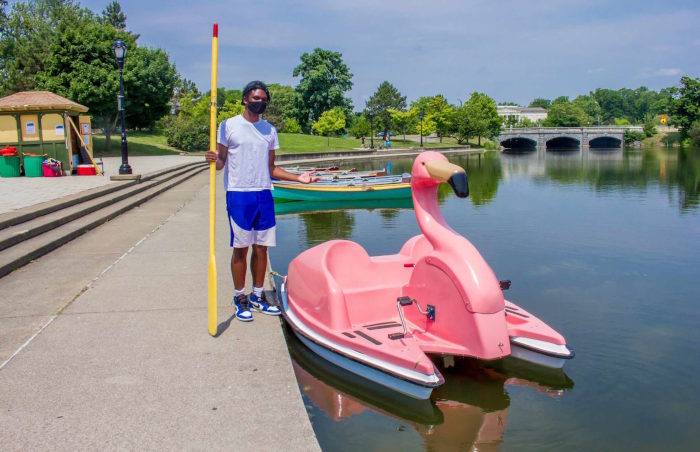 Hoyt Lake FLOATmingo Paddle Boats Are Back This Summer