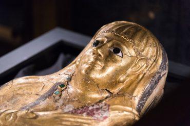golden mummies