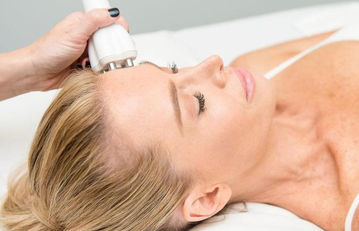 Enter to Win A $100 Venus Freeze Face Lift Facial From Spa400