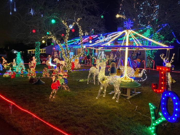 Coolest Christmas Lights & Holiday Displays Around WNY