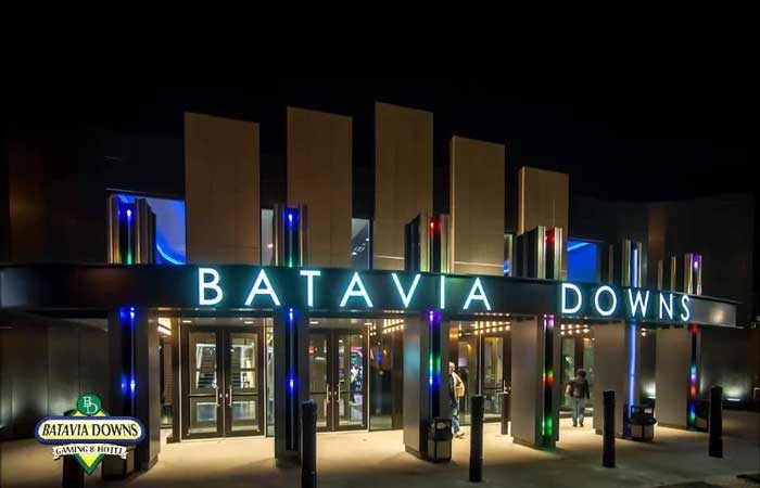 5 Reasons To Get To Batavia Downs This Fall